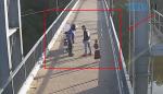 Screenshot 4 17 150x86 - У житомирському парку ім. Гагаріна неадекватний скутерист на очах у дитини вдарив чоловіка (ВІДЕО)