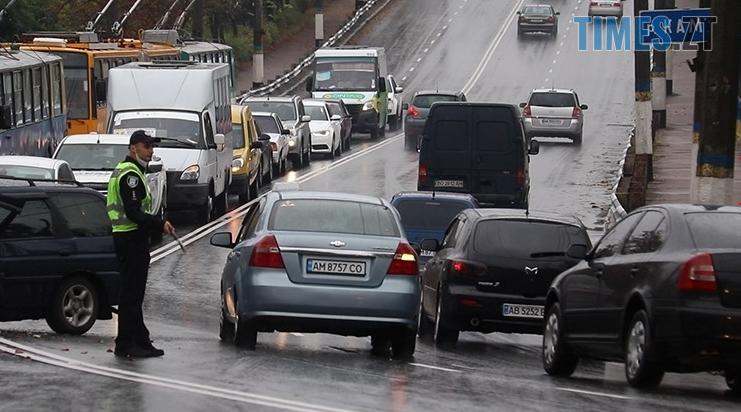 Screenshot 5 15 - На Чуднівському мосту в Житомирі моторошна аварія, рух транспорту обмежили (ФОТО)