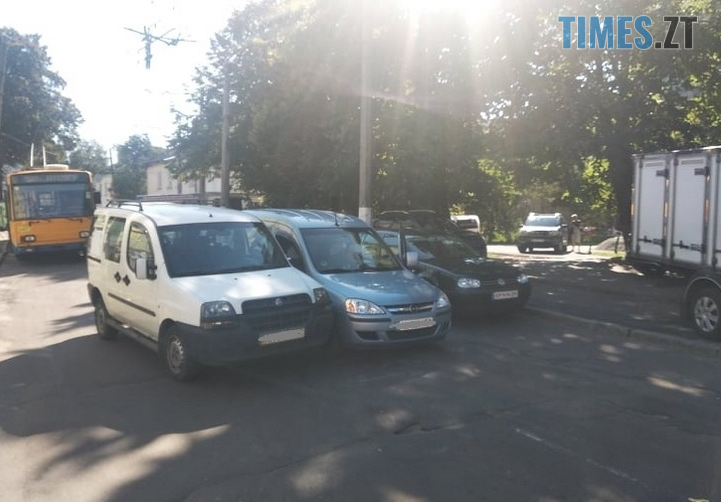 Screenshot 5 2 - На одній з вулиць Житомира через аварію заблоковано рух тролейбусів (ФОТО)