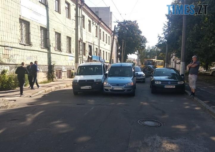 Screenshot 6 1 - На одній з вулиць Житомира через аварію заблоковано рух тролейбусів (ФОТО)