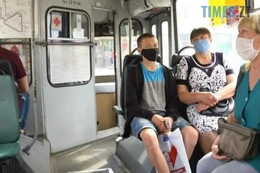 dnuhuah - У Житомирі водій тролейбусу висадив матір загиблого учасника АТО (ВІДЕО)