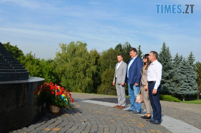 img1599035692 e1599040296723 - Житомиряни вшанували пам'ять жертв найкривавішої в історії людства війни