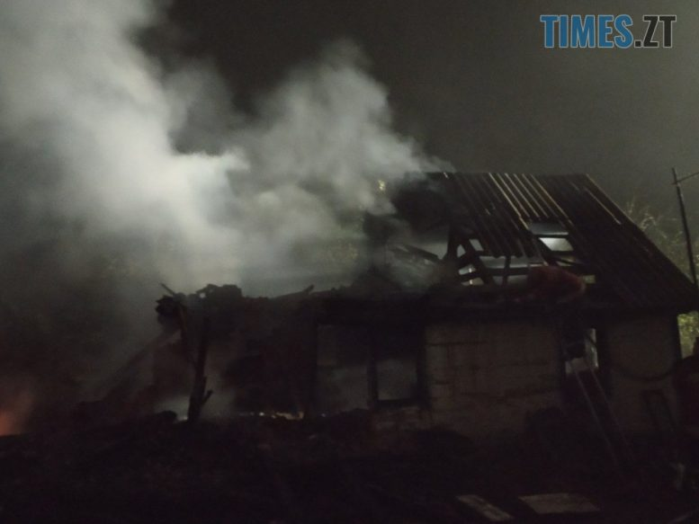 IMG 0928 e1602148963144 - На Черняхівщині ледь не згоріла заживо господиня приватного будинку (ФОТО)