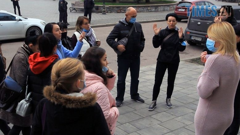 Still1212 00000 7 777x437 - Протест батьків у Бердичеві: відкрийте у червоній зоні карантину садочки і школи! (ВІДЕО)