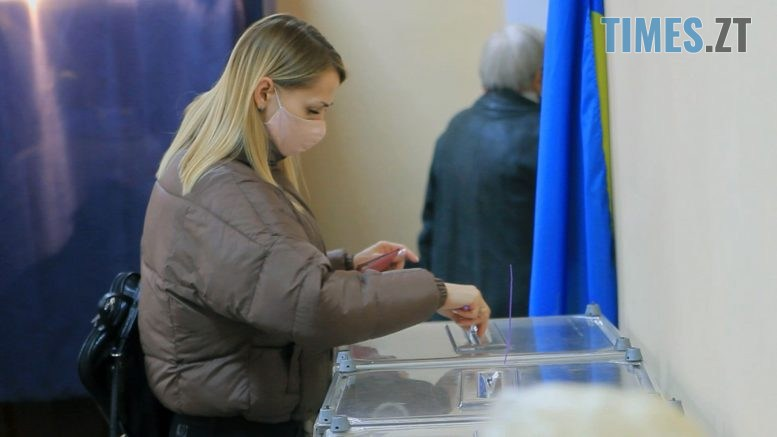Still1212 00001 1 777x437 - Численні порушення, викрадення бюлетенів та заява про фальсифікацію: на Житомирщині відбулися вибори