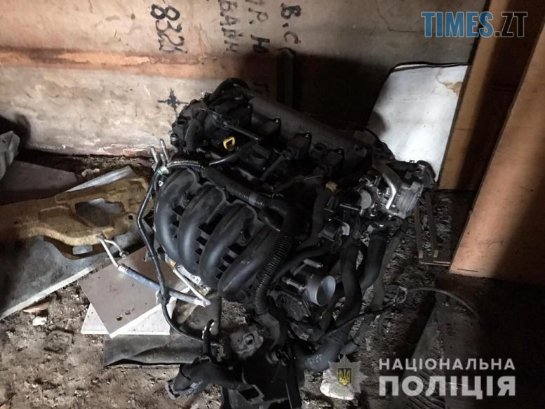 ZavolodinniaZHytomyr6 kopiia e1601798754385 - Столичні правоохоронці перекрили канал викрадення автівок, які розукомплектовували на Житомирщині (ФОТО)