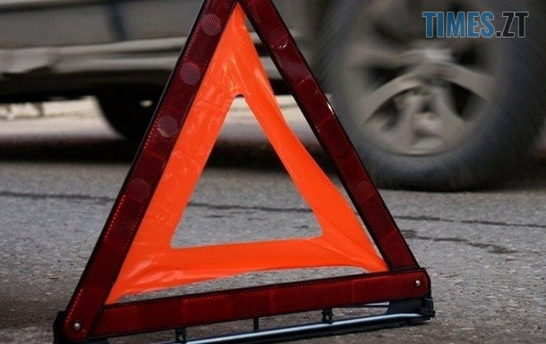 foto korrespondent.net large - На одній з вулиць Коростеня пожежний автомобіль протаранив легковик (ВІДЕО)