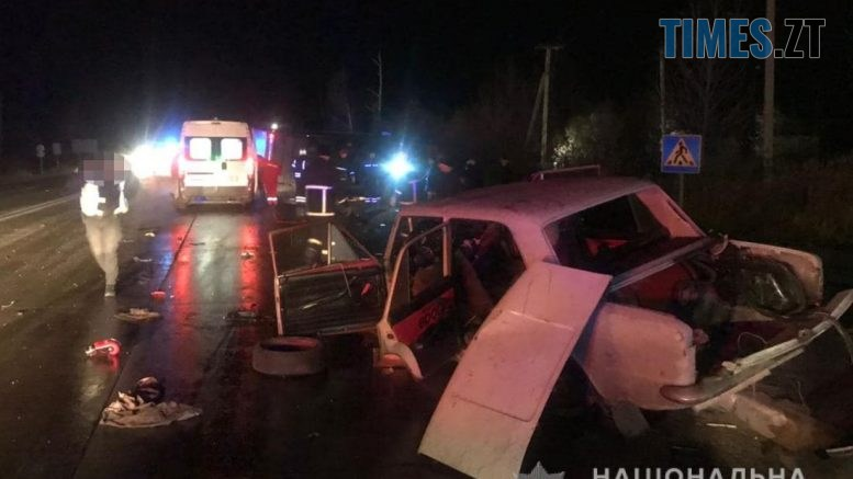 09 05 42 777x437 - На трасі в Житомирській області троє людей постраждали унаслідок зіткнення фури та ВАЗа (ФОТО)