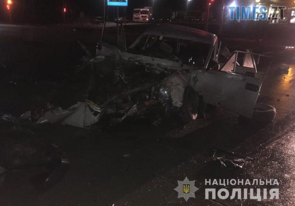 09 05 45 1024x718 - На трасі в Житомирській області троє людей постраждали унаслідок зіткнення фури та ВАЗа (ФОТО)