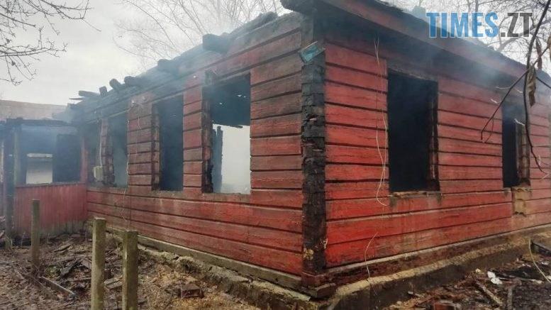 1 4 777x437 - У Народицькому районі вщент згорів житловий будинок, на згарищі знайшли труп людини