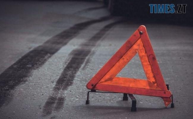 5d72b79835bceb8d35cab8b5f8245 - Камерам вдалося зафіксувати, як на Чуднівському мосту в Житомирі сталася потрійна аварія (ВІДЕО)
