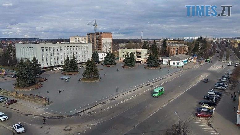 Berdychiv ploshcha 777x437 - +225 хворих на «ковід» за добу і звільнення заступників В. Мазура: у Бердичеві сесія міської ради (ВІДЕО)