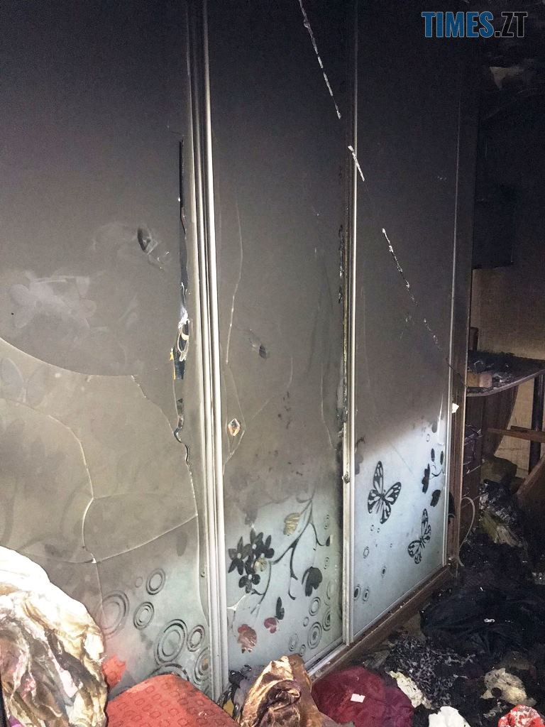 IMG 81ee35966318e3cf61229409b42d9812 V - Надзвичайники врятували від знищення полум`ям квартиру в багатоповерхівці (ФОТО)