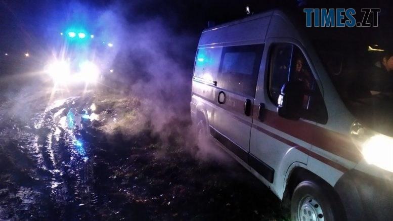 IMG 6569 777x437 - На дорозі в Житомирській області застрягла швидка, яка прямувала на виклик (ФОТО)