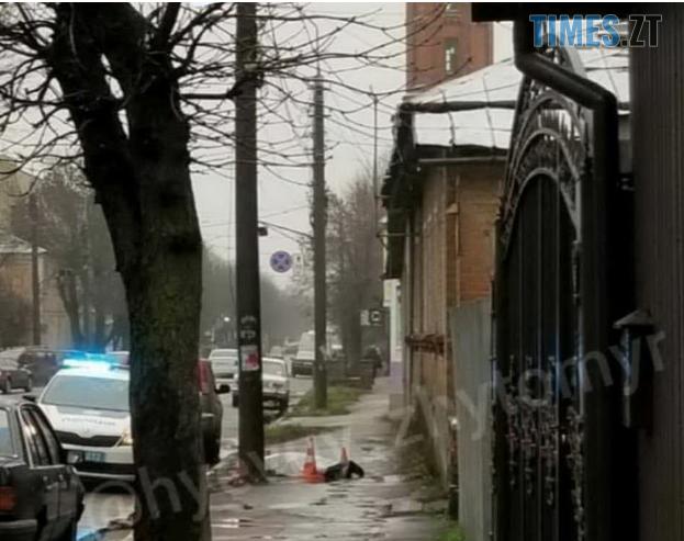 Screenshot 3 10 - Житомир: на тротуарі по вулиці Ріхтера знайшли труп (ФОТО)