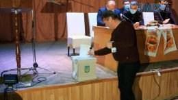 Still1212 00001 3 260x146 - Голову Бердичівської районної ради обирали понад 5 годин: з кого був вибір і чим дивували кандидати (ВІДЕО)