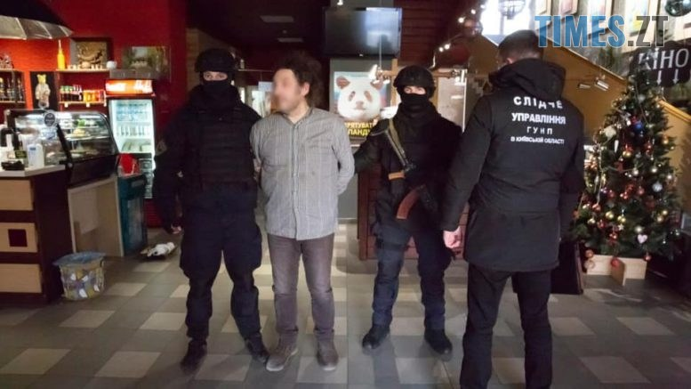 b621cc9156bc7449fd0ea08092d638af 777x437 - Розповсюджував дитячу порнографію та розбещував неповнолітніх: поліція повідомила, у чому звинувачує відомого українського фотографа