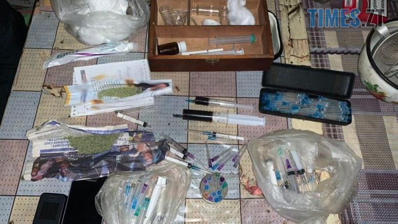 narkota 777x437 - Житомирянина підозрюють у розповсюдженні тяжких накротиків: у квартирі знайшли опій та марихуану