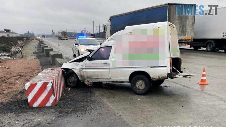 60078 777x437 - У передмісті Житомира не розминулися два авто, є травмовані (ФОТО)