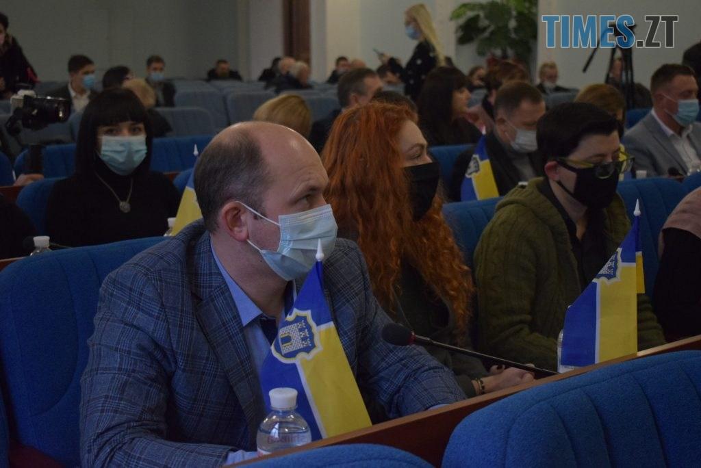 DSC 0482 1 1024x684 - Старі & нові: у Житомирській міськраді досвідчені депутати опікуються «молодими»