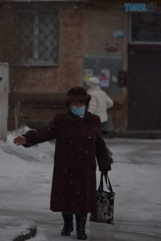 DSC 0669 684x1024 - Житомир «накрив» сніг (ФОТО)