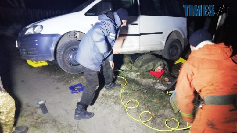 IMG 20201208 072621 777x437 - У селі на Житомирщині чоловік намагався затримати авто, яке котилося зі схилу і потрапив під кузов