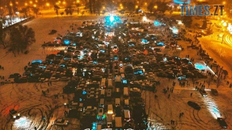 photo 2020 12 26 10 00 36 777x437 - У Харкові зафіксували рекорд України - величезну автоялинку