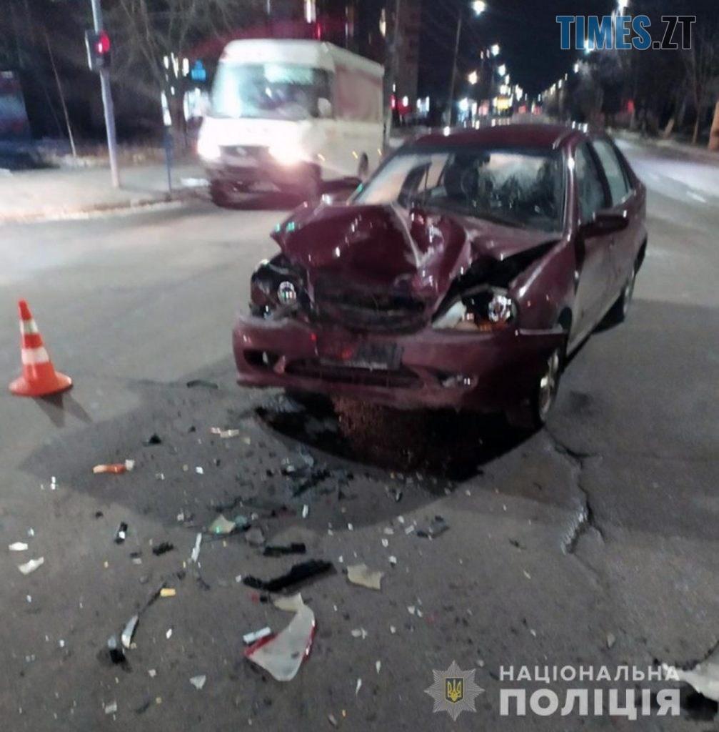 09 38 39 1007x1024 - На перехресті в Житомирі не розминулися дві іномарки, один з водіїв травмований (ФОТО)
