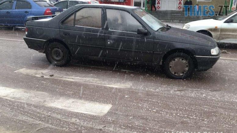 15 30 00 777x437 - У райцентрі Житомирщини легковик збив 27-річну жінку