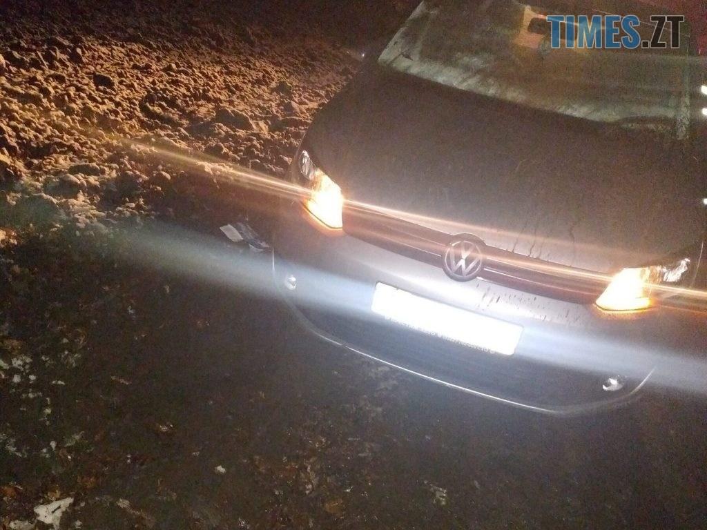 IMG 4438 1024x768 - У Чуднівському районі вночі рятувальники витягали авто з багнюки