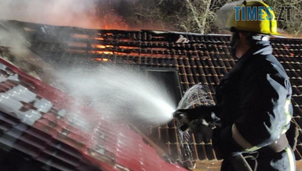 IMG 20210103 120748 1024x580 - УЖитомирі погасили пожежу багатосімейного приватного будинку, деночував безхатько