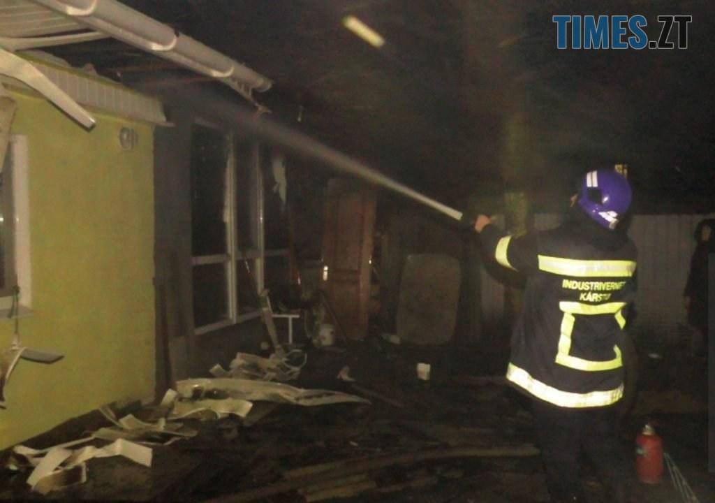 IMG 20210103 120810 1024x720 - УЖитомирі погасили пожежу багатосімейного приватного будинку, деночував безхатько