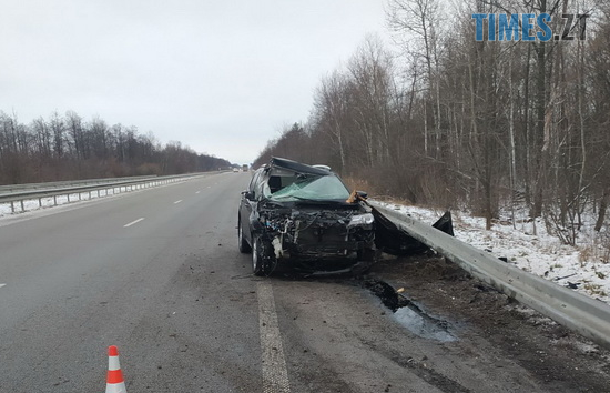 Screenshot 4 11 - ДТП на трасі в Житомирській області: Toyota протаранила відбійник (ФОТО)