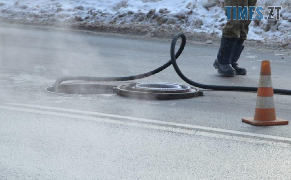DSC 2603 1024x632 - Через чистку колектора у Житомирі на Покровській та поблизу затори (ФОТО)