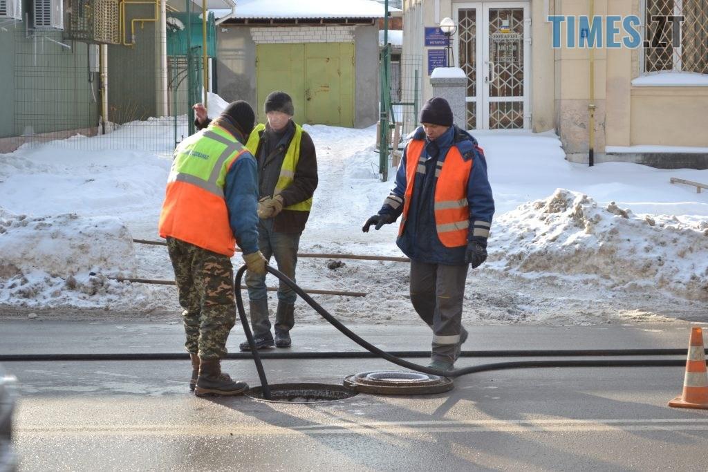 DSC 2607 1024x683 - Через чистку колектора у Житомирі на Покровській та поблизу затори (ФОТО)